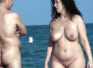Naturist Plus-size Mummy got into the..