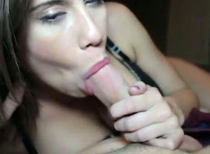 Uber-cute gf gives sultry blowjob,..