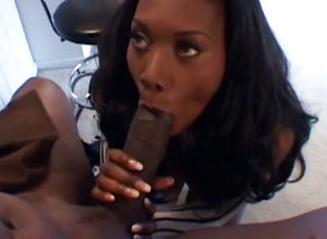 Super-sexy dark-hued housewife Nyomi..
