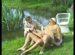 Grandma superslut boned near the pond..