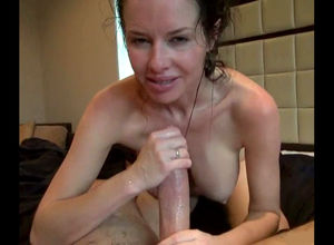 Extraordinaire wifey masturbating and..